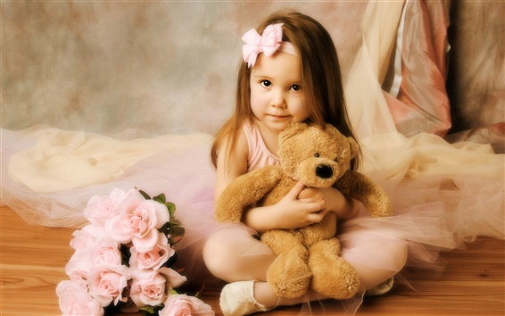 Fond d'écran Petite fille avec ours en peluche