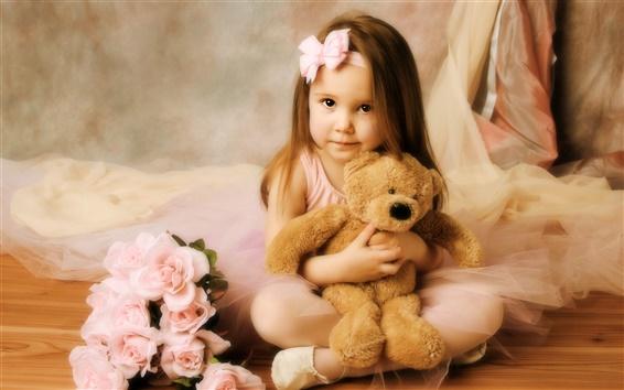 Wallpaper Little girl with teddy bear
