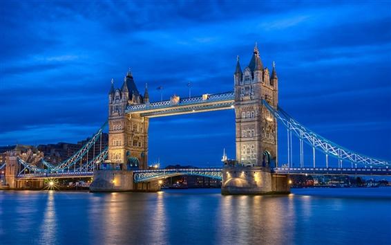 Обои Англия Лондон, город ночь река, Темза, Тауэр Бридж, голубое небо, огни