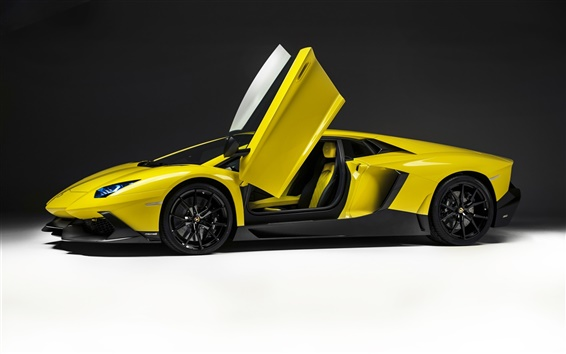 Wallpaper Lamborghini Aventador LP720-4 side view