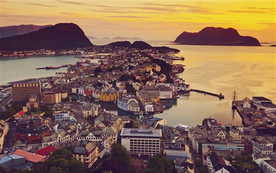 Papéis de Parede Alesund, Noruega, vista para a cidade, casas, sol, mar