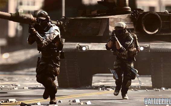 Wallpaper Battlefield 4 tank with soldier
