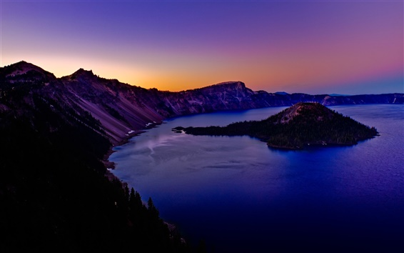 Wallpaper Crater Lake in Oregon of USA
