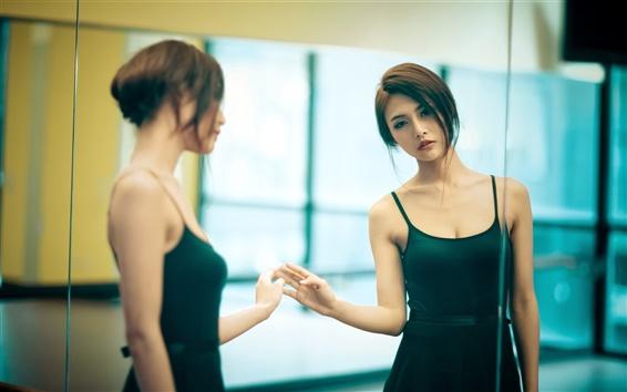 Fond d'écran Asian girl, cheveux courts, jupe verte