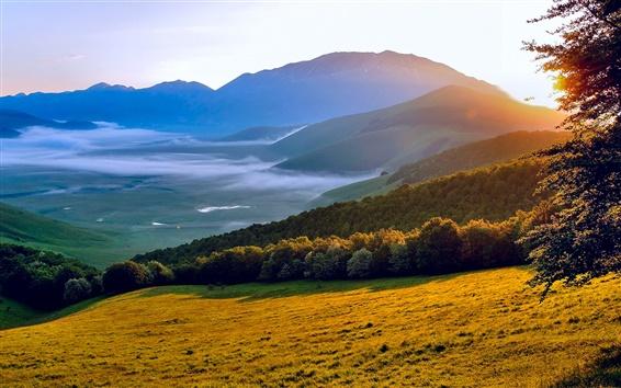 Fond d'écran Italie Ombrie matin soleil, paysages de nature