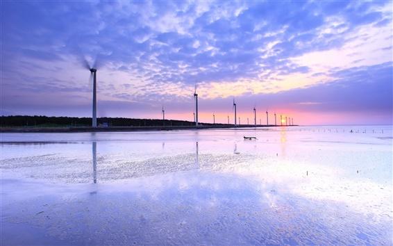 Fondos de pantalla Taiwán, orilla del mar, molinos de viento, puesta de sol, el agua reflexión, nubes, cielo,