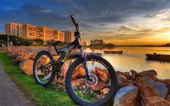 壁紙 都市、海岸、バイク、日没