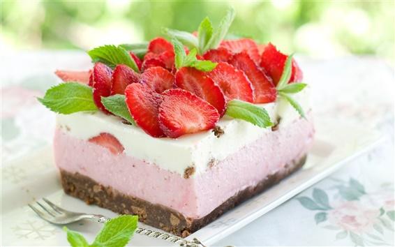 Wallpaper Cream cake, fresh strawberries, green leaves