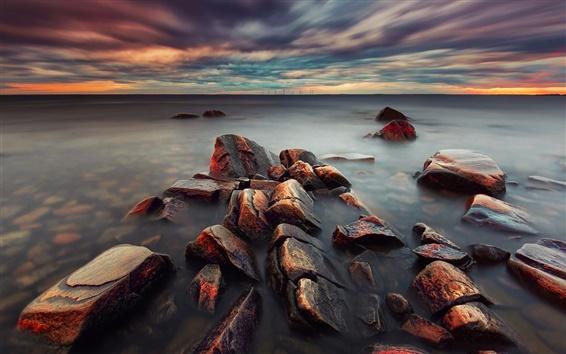 Fond d'écran Suède paysage du soir, mer, nuages, coucher du soleil, les pierres