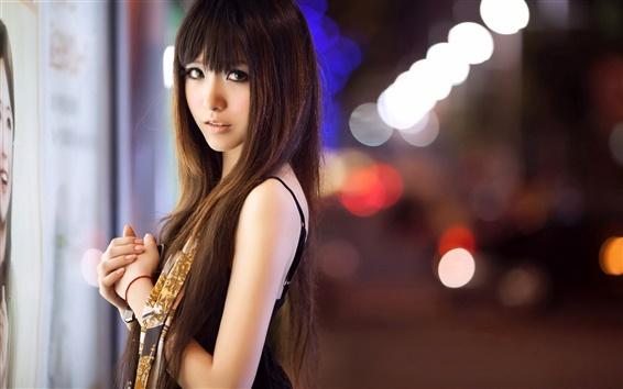 Fondos de pantalla Muchacha asiática en la ciudad de la calle de noche