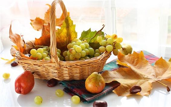 Обои Осенние фрукты, виноград, корзины, груши, листьев