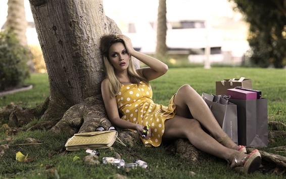 Wallpaper Girl under a tree, bags