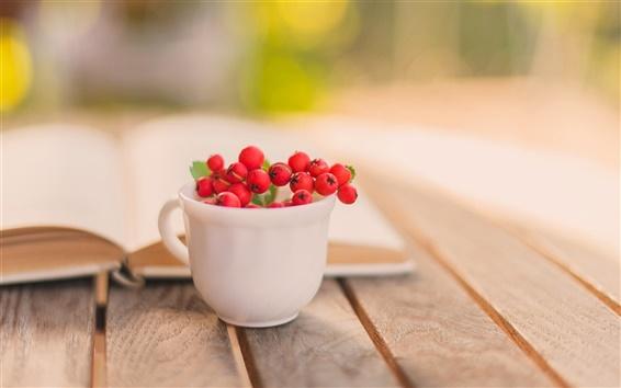 Fond d'écran encore vie, livre, tasse, fruits rouges