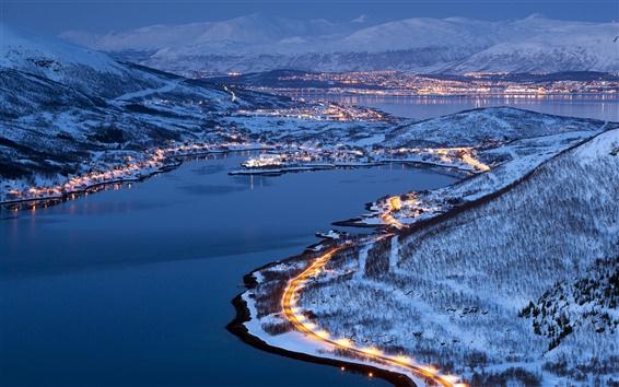 Fondos de pantalla Luces de la ciudad de Tromso, Noruega, noche de invierno