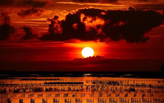 Обои Закат, море, колонны, заборы, сетки, облака, красное небо