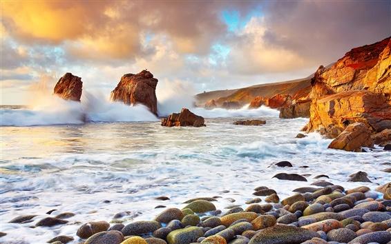 Fondos de pantalla EE.UU., California, mar, piedras, nubes, olas salpican