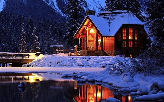 Wallpaper Winter, Cozy mountain lodge, Emerald Lake, Yoho National Park, Canada