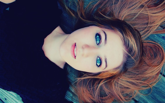 壁纸 蓝色眼睛女孩,木地板