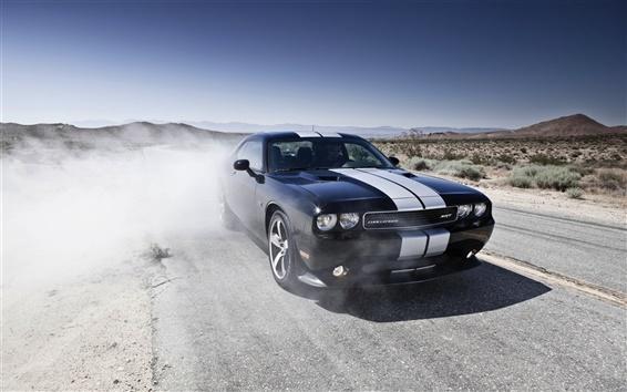 Fond d'écran Dodge Challenger voiture noire dans le désert