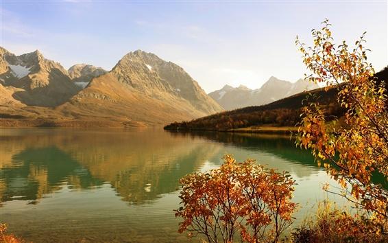 Обои Озеро, горы, лес, кустарник, солнце, осень