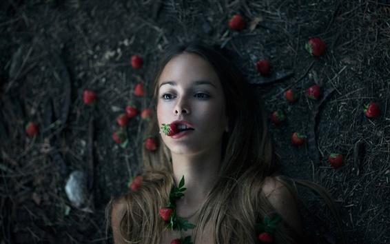 Fond d'écran Photos créatives, fille, fraises