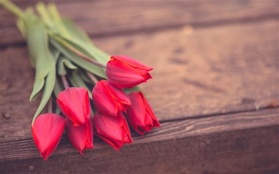 Fond d'écran Fleurs de tulipes rouge, planche de bois