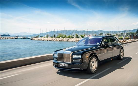 Обои Rolls Royce черный роскошный автомобиль в скорости