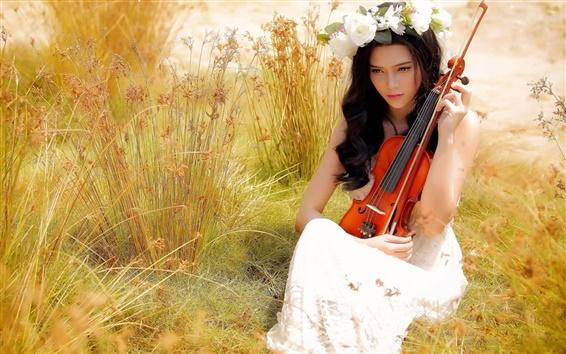 Fond d'écran Fille asiatique, violon, musique, été, l'herbe, des fleurs rose blanche