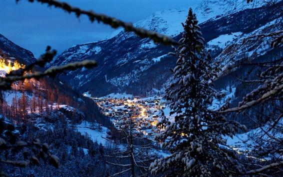 Fondos de pantalla Alpes, Suiza, montañas, árboles, invierno, nieve, casa, noche