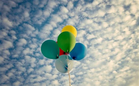Fond d'écran Ballons, coloré, nuages, ciel