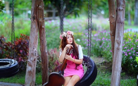 Fond d'écran Belle fille asiatique, guitare, fleurs, balançoire