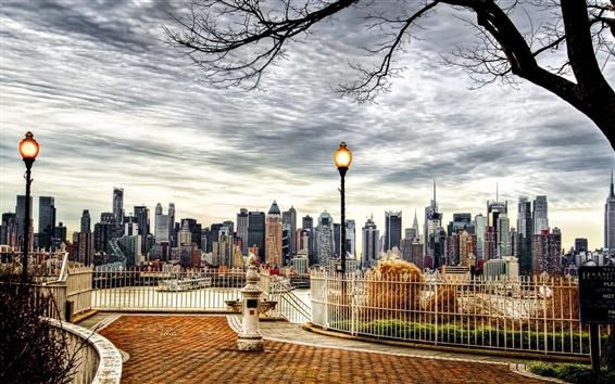 壁紙 美しい街、ニューヨーク市、アメリカ、高層ビル、紅葉、木、夕暮れ