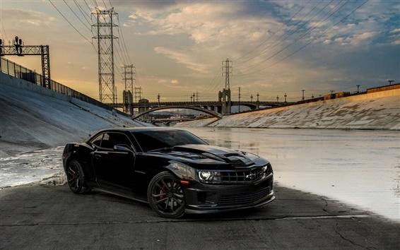 Fondos de pantalla Chevrolet Camaro coche negro, puente, la línea eléctrica