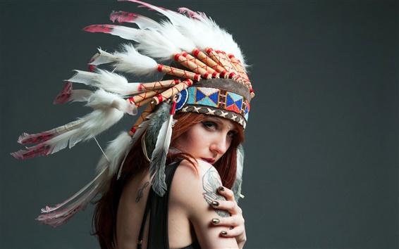 Обои Индийская девушка, перья