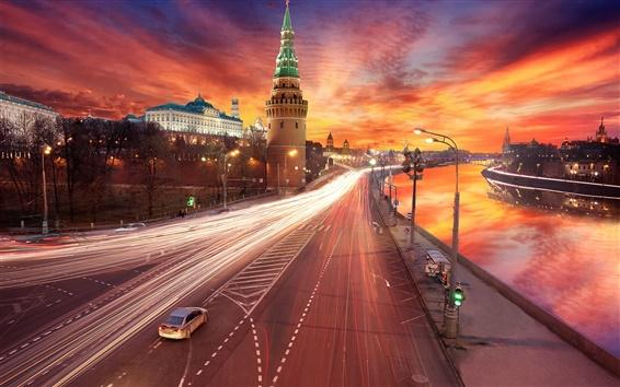 Fond d'écran Moscou, Kremlin, fleuve, lumières, route, coucher de soleil, ciel rouge