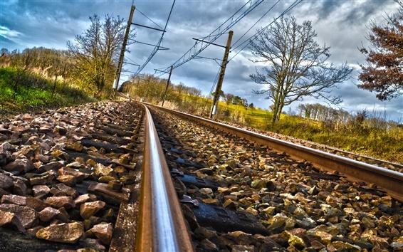 Papéis de Parede Estrada de ferro, pedras, trilhos, nuvens, árvores