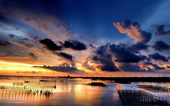 Обои Море, побережье, закат, облака, сетки
