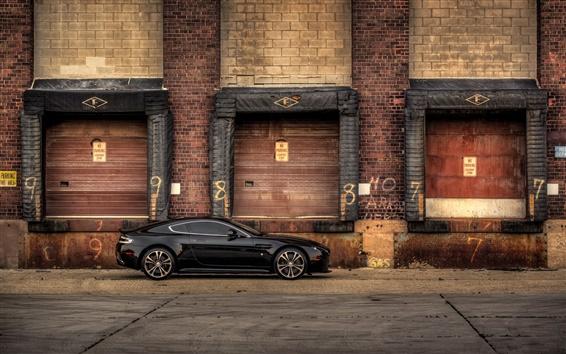 Обои Aston Martin V12 Vantage Carbon Edition вид сбоку черный автомобиль