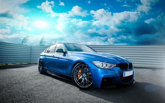 Papéis de Parede BMW 335i F30 carro azul, céu, nuvens