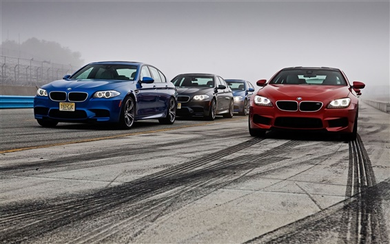 Fond d'écran BMW M5 M6 rouge bleu Voitures noires