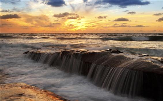 Fond d'écran Coucher de soleil mer paysage, océan, ciel, nuages, rivières, rochers