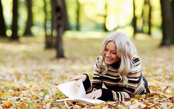 Обои Осенний лес, девушка читать книгу