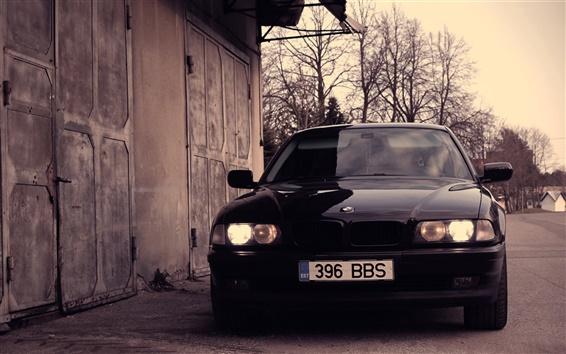 Обои BMW 740 E38 вид черный автомобиль спереди