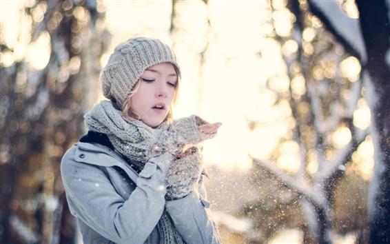 Wallpaper Winter forest girl