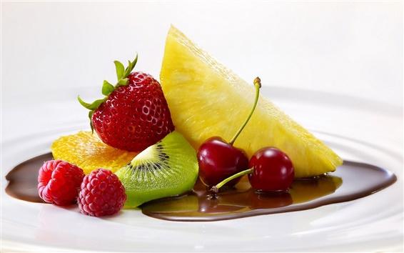 壁紙 新鮮なフルーツ、ラズベリー、イチゴ、パイナップル、オレンジ、キウイ、サクランボ