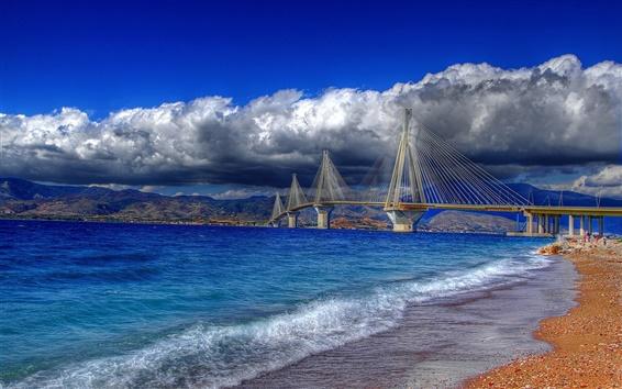 Fond d'écran Grèce, Golfe de Corinthe, pont à haubans, de l'eau, côte, ciel, nuages