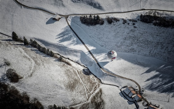 Fondos de pantalla Vista superior, carretera, casa, globo, invierno, nieve