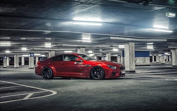 Обои BMW M6 красный автомобиль на стоянке