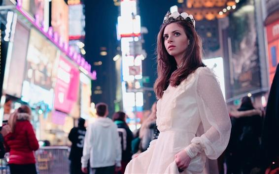 Обои Город улице, принцесса, девушка, удивление