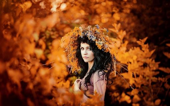 Обои Осенний портрет, венок, девушка, золото сезон
